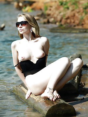 avErotica  Claudia  Amateur, Babes, Blondes, Erotic, Teens, Natural, Solo